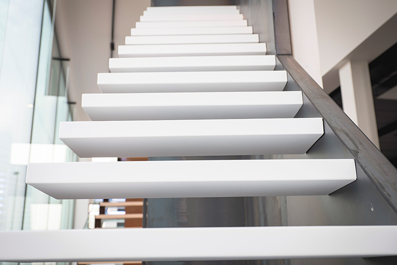 Prijs Zwevende Trap : Zwevende trappen fe trappen ontwerp productie plaatsing